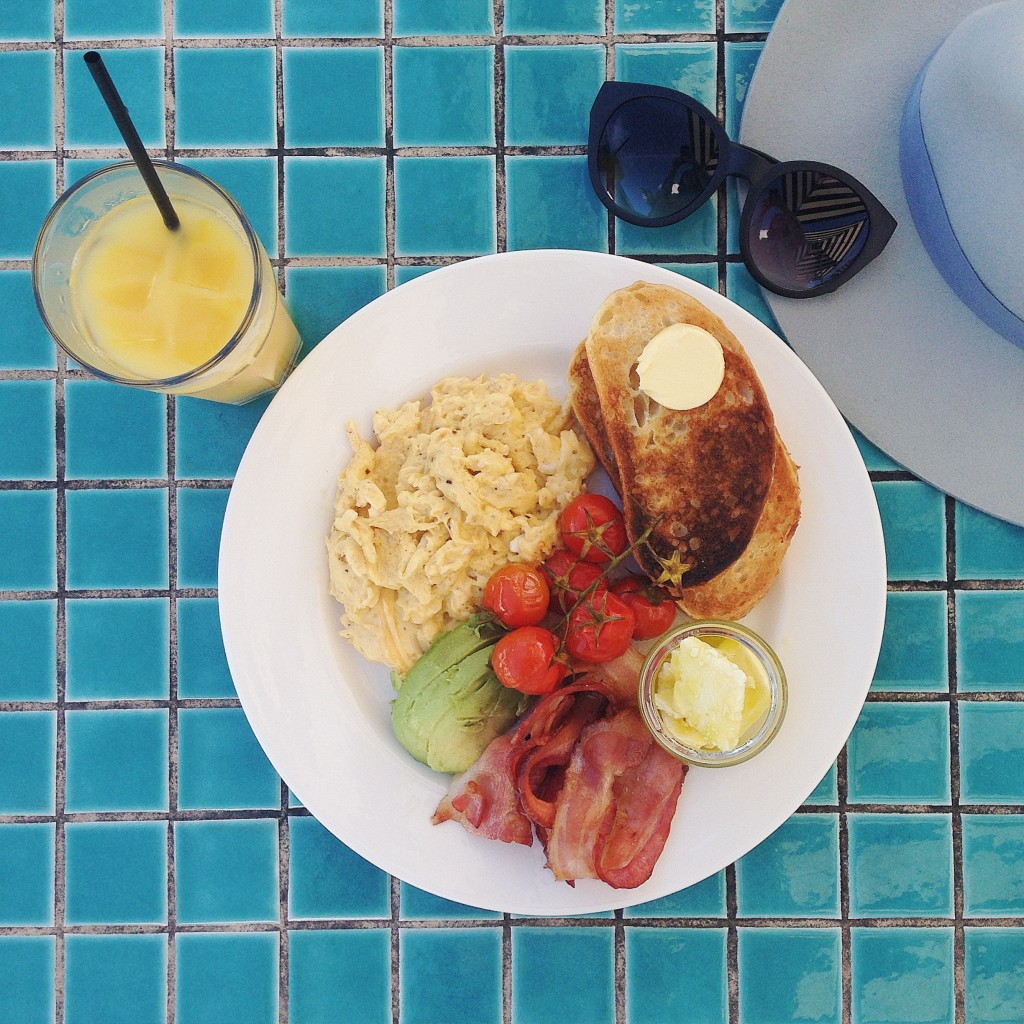Beachside brunches livvy may for Living room yoga coogee